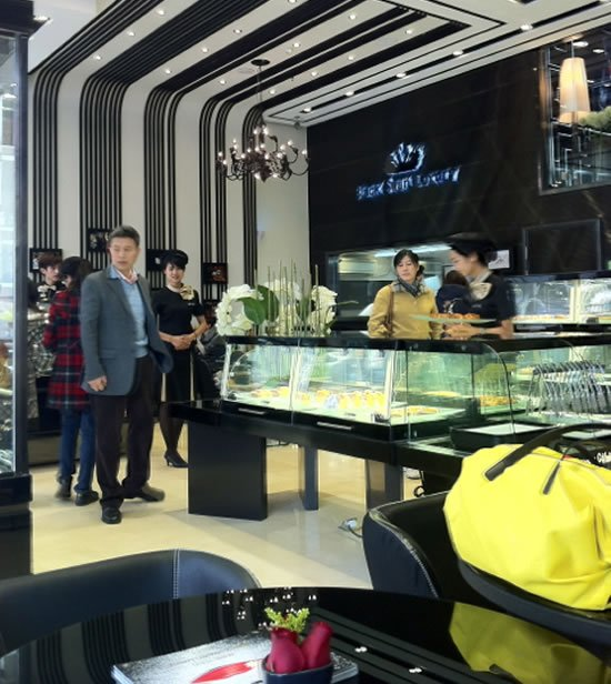 Say I Do with a $315,000 wedding cake in China : Luxurylaunches