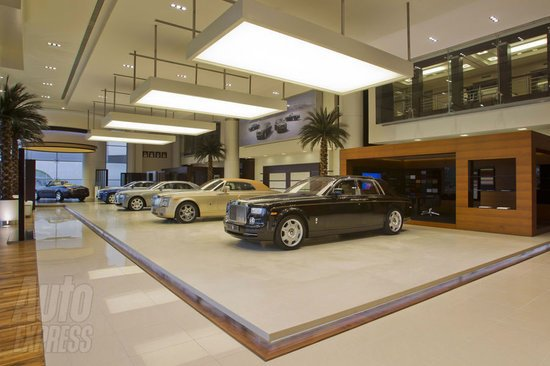 World S Largest Rolls Royce Showroom Opens In Abu Dhai