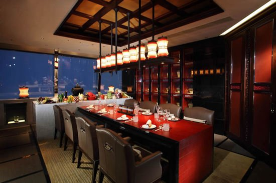 World's_Highest_Chef's_Table_Ritz-Carlton_Hongkong-thumb-550x366