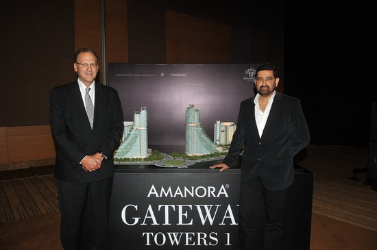 amanora-gateway-towers-3-thumb-550x365