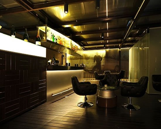 aston-martin-club-lounge-singapore-1