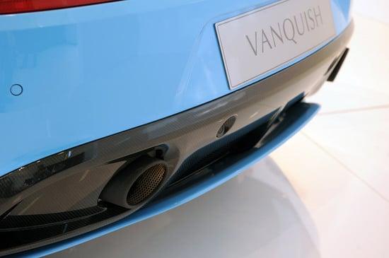 aston-martin-vanquish-24-thumb-550x365
