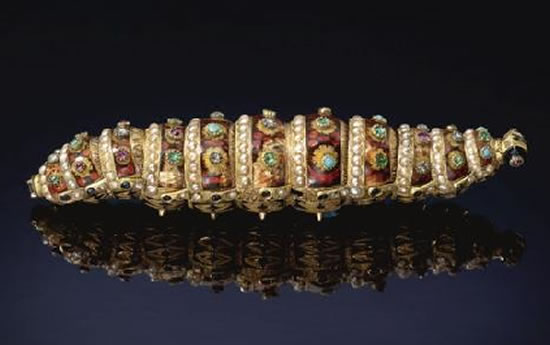 bejeweled-Ethiopian-Caterpillar-1