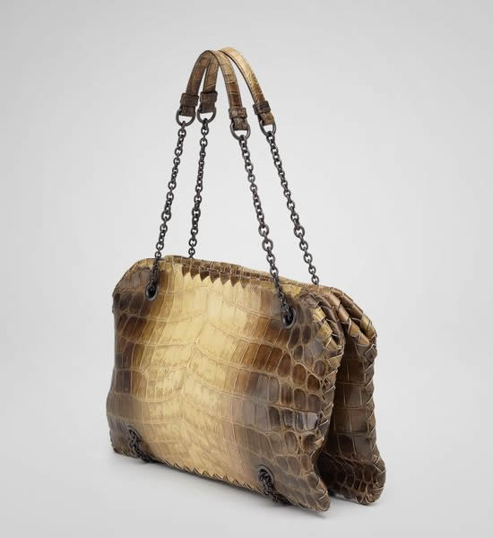 5d5d05f016d2 Bottega Veneta Cocco Nature Duo Bag is very roomy