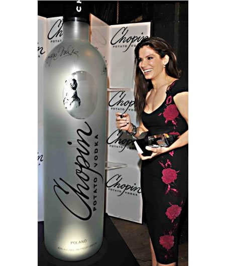 chopin_giant_vodka_bottle