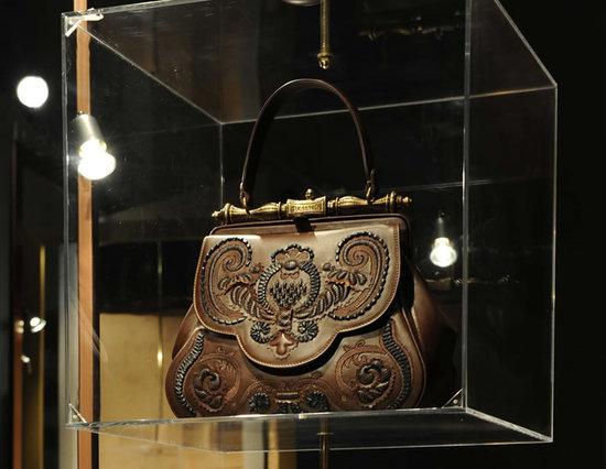 da-vinci-handbag-thumb-550x426