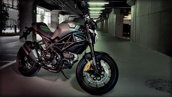 ducati-monster-diesel_2-thumb-550x309