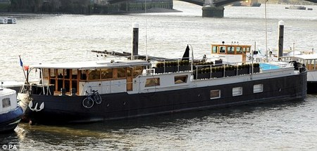 expensive_houseboat-thumb-450x215