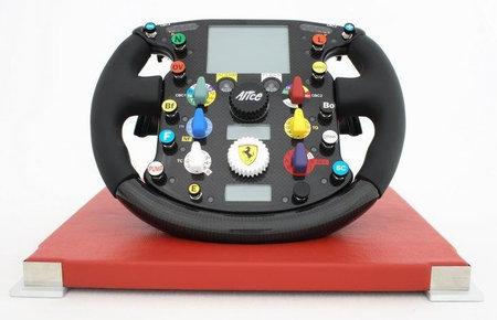 ferrari_f2007_steering_wheel-thumb-450x290