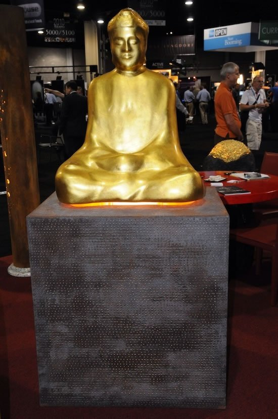 gold-plated-Buddha-statue-1