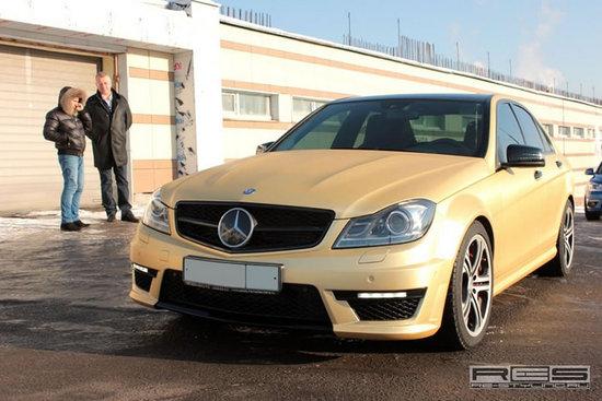 gold_carbon_mercedes_benz_c63_amg_facelift-thumb-550x367