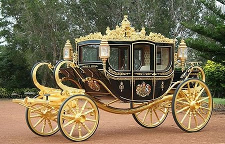 gold_inlaid_royal_carriage