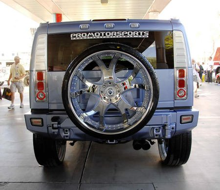 hummer_h2_30inch_tires_3-thumb-450x389