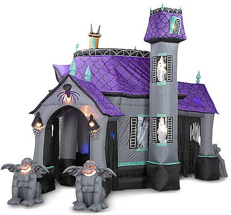 inflatable-cryptic-halloween-castle-2
