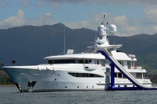 inflatable-yacht-3