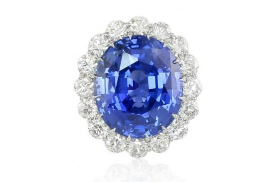 largest-and-most-expensive-Blue-Sapphire-Ring2
