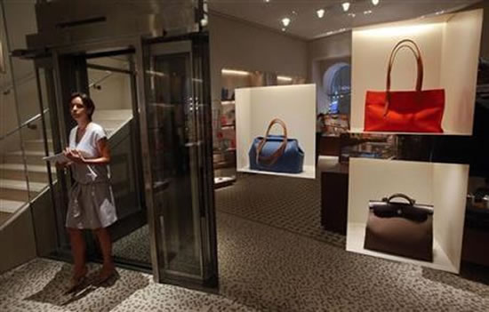 luxury-handbags