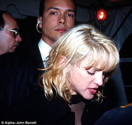 Madonna S Ex Bodyguard Amp Lover Sells Her Love Notes For