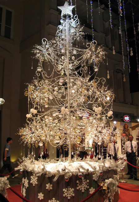 most-expensive-christmastree-thumb-450x653
