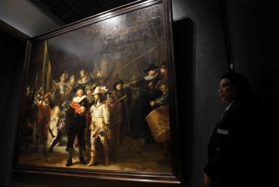 Best Luxury Cars To Lease >> Rembrandt's iconic 'The Night Watch' painting turned into ...