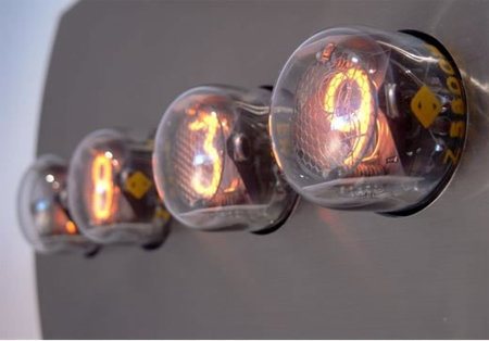 Nixie clock from Puhlmann is out of the dark -