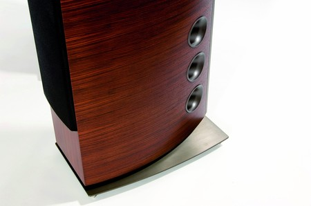 p-39f_speakers_2-thumb-450x298