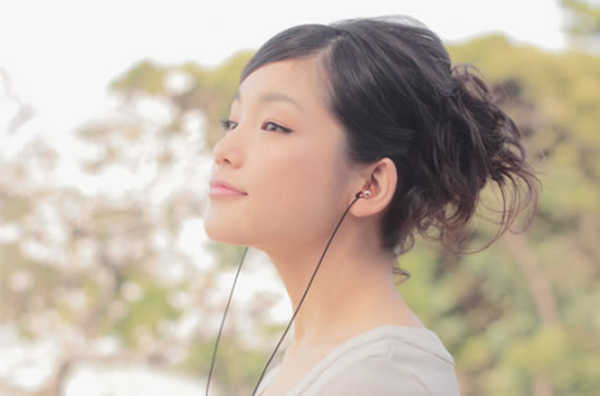 piano_forte_expensive_earphones4