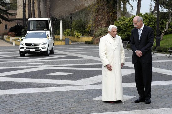 popemobile-5-thumb-550x366