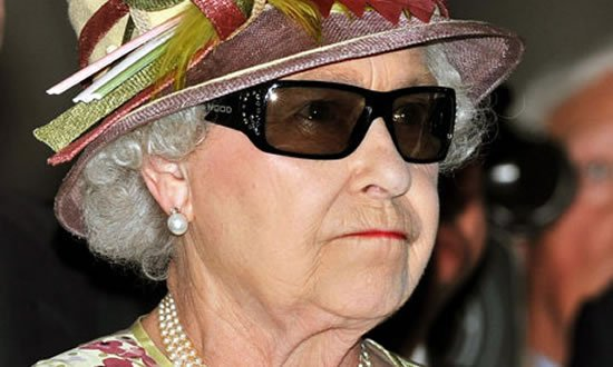 queen-3D-glasses