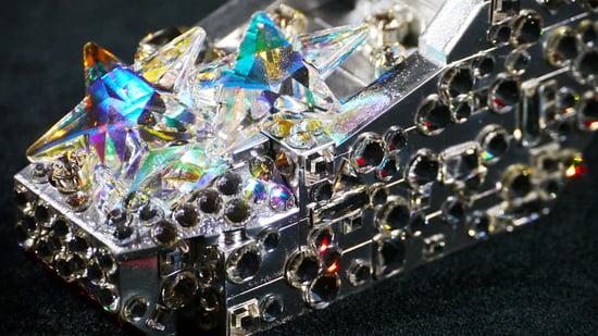 silver-heels-3-thumb-550x309