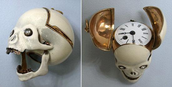 skull_gold_watch-thumb-550x278