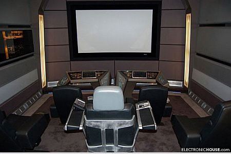"""Old Fashioned Cars >> """"Star Trek""""-themed home theater with real props"""