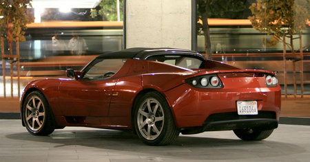tesla_roadster_on_eBay-thumb-450x236