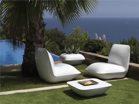 vondom-pillow-patio-furniture-lighted-3