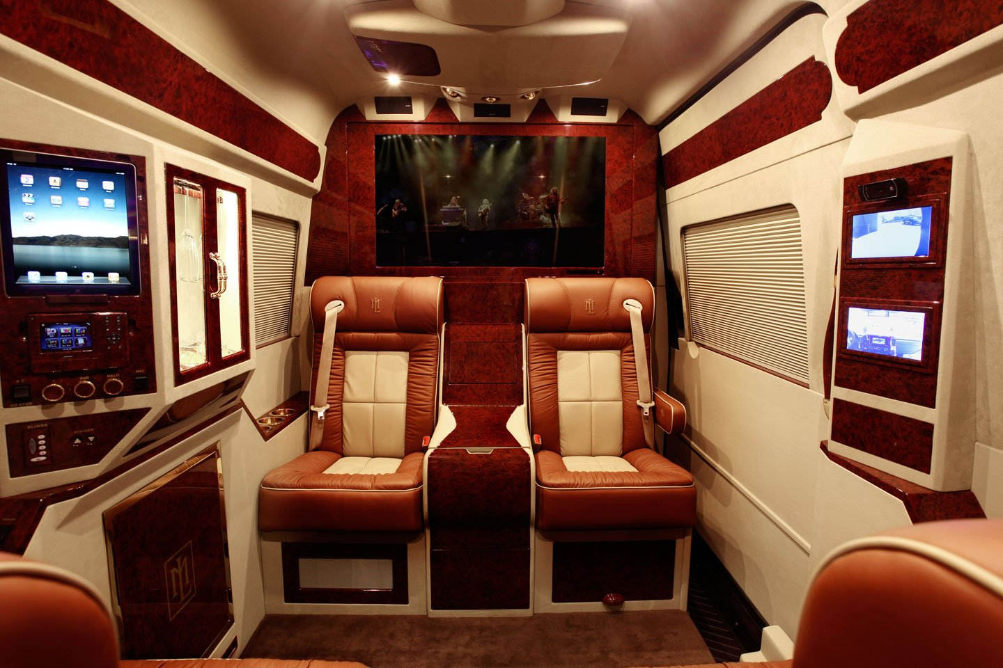 Mercedes Benz Sprinter L5 B Van Rides With A High Tech Luxe Bedroom Aboard