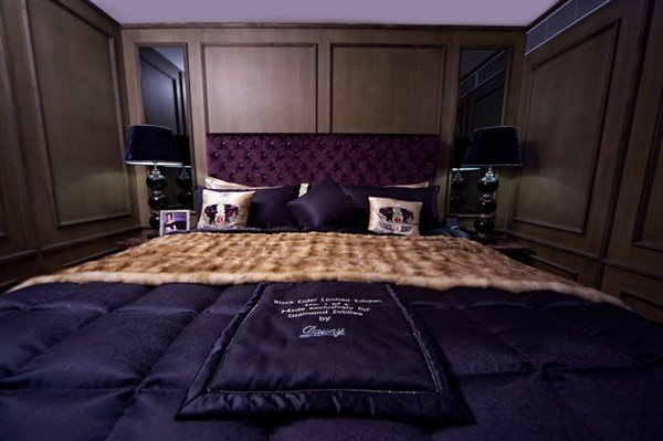Mattress Brand Reviews >> Vi-Spring Diamond Jubilee Limited Edition bed comes to Hong Kong
