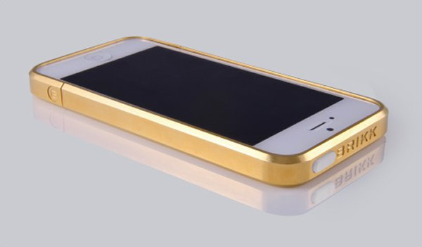 gold iphone case brikk solid gold and platinum iphone cases launched 4836