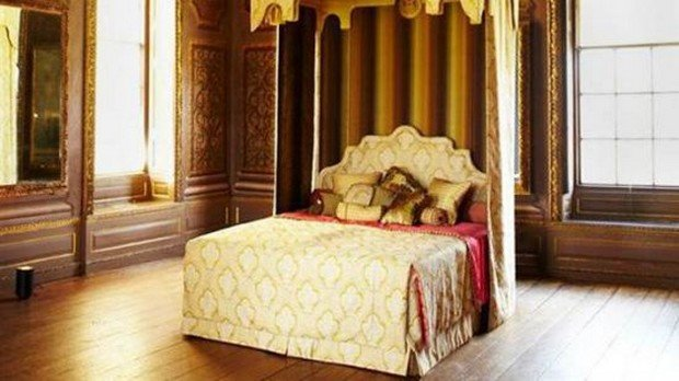 Royal-Bed-by-Savoir-Beds