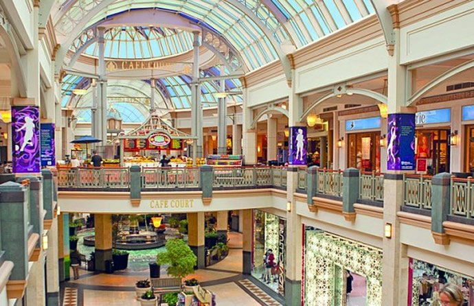 shopping malls and outlet malls in pa