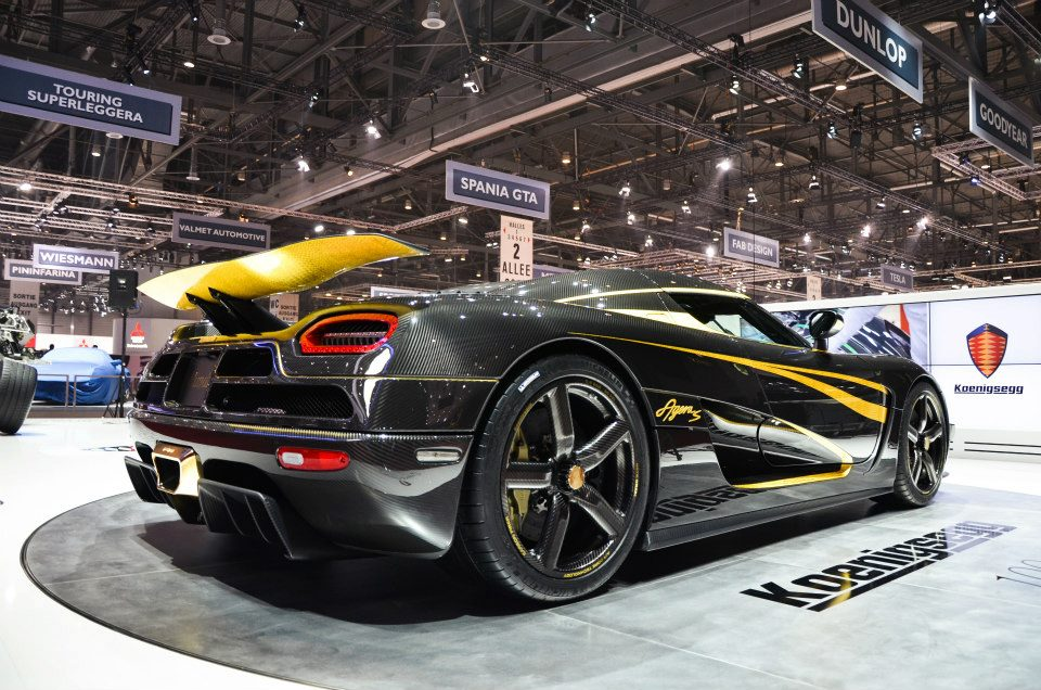 Koenigsegg One:1 officially teased, leaks point to specs which will leave the Bugatti Veyron in the dust -