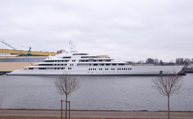 Größte Yacht Der Welt Azzam