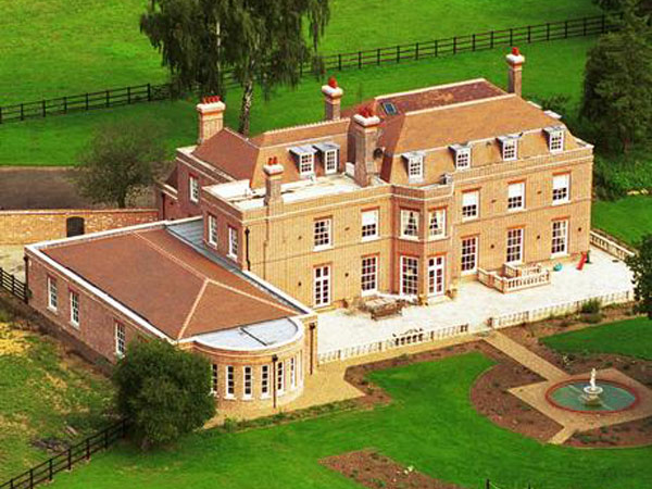Beckingham Palace To Go On Sale As David And Victoria