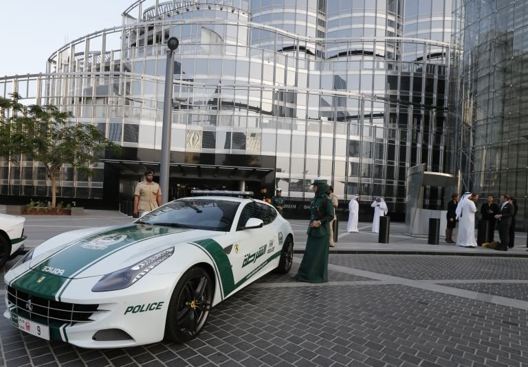 The Most Expensive Car In The World >> Dubai Police adds Ferrari FF to its fleet