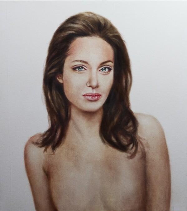 angelina-jolie-portrait