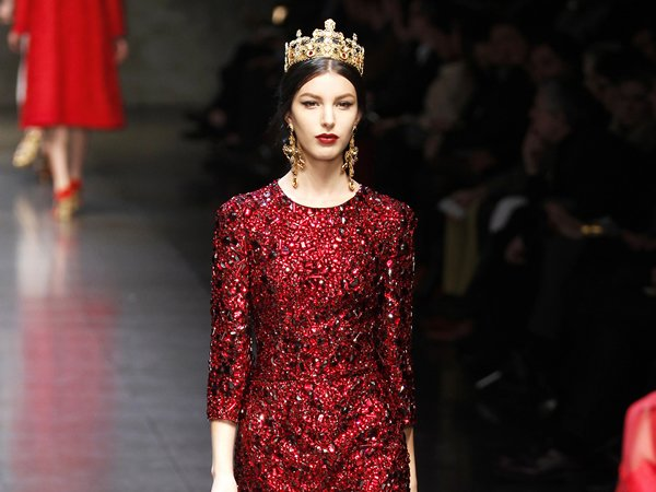 dolce-and-gabbana-red-dress-2