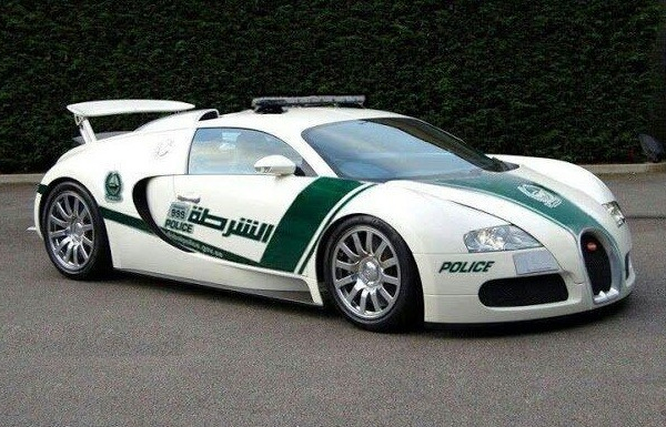 bugatti veyron the world 39 s fastest street legal car joins dubai police. Black Bedroom Furniture Sets. Home Design Ideas