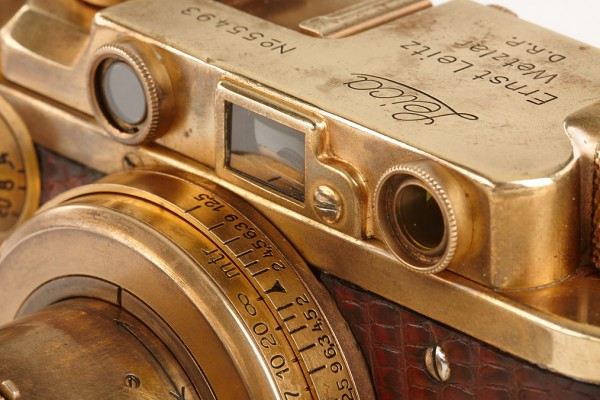 gold-plated-leica-7