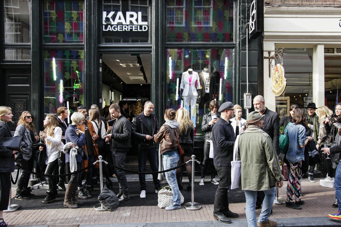 karl lagerfeld s new amsterdam store delivers fashion with a digital. Black Bedroom Furniture Sets. Home Design Ideas
