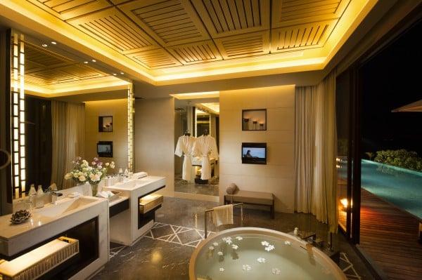oceanview-three-bedroom-bathroom