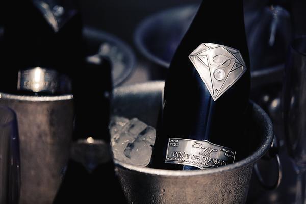 alexander-amosu-champagne-6